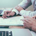 Rechnungen und andere Belege digitalisieren: Wir erklären, wie Sie Rechnungen richtig scannen und archivieren.