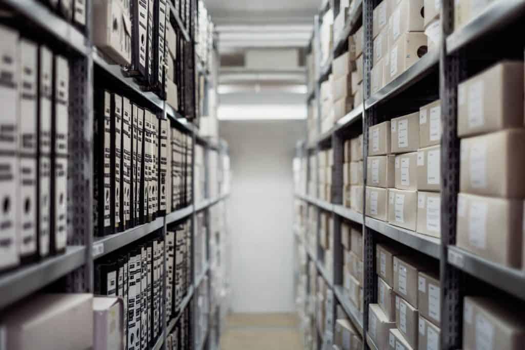 Ordner im Archiv